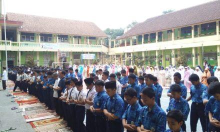 Tanamkan Pendidikan Karakter dan Kedisiplinan,  SMPN 1 Kota Tasikmalaya Terapkan Sholat Dzuhur Berjamaah di Sekolah