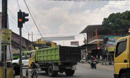 Karena Membuat Macet, Dishub Kab. Tasik Non Aktifkan Traffic Light di Perempatan Jalan Cisinga-Cipasung