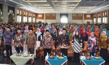 Bupati H. Ade, Buka Workshop Akselerasi Penerapan Nilai Agama Kurikulum 2013