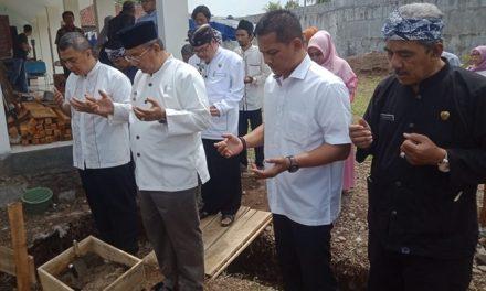 Peletakan Batu Pertama Masjid Baitul Amanah STIMIK DCI, Wali Kota Berpesan Iptek dan Imtak Harus Seimbang