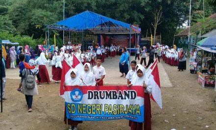 Pawai Drum Band Kenaikan Kelas dan Perpisahan SDN Pasirjaya Disambut Antusias Warga