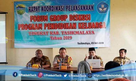 Sekdis Dikbud Membuka Forum Group Diskusi Program Keterlibatan Keluarga dalam Pendidikan Kab. Tasikmalaya