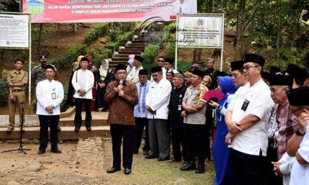 Ziarah ke Makam Leluhur Sukapura, Bupati : Teladani Sikap-sikap Positifnya