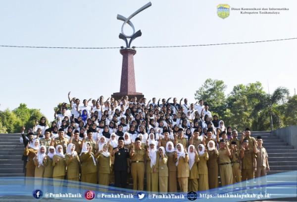 Gerakan 1821 Pada Upacara Peringatan Hari Keluarga Nasional XXVI Tahun 2019 Tingkat Kabupaten Tasikmalaya