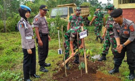 Kapolres Tasikmalaya Lakukan Penanaman Sejuta Pohon di Area Zona Merah