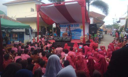 Acara Gemar Minum Susu di Yayasan Alhidayah Cukang, Tanjung.