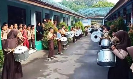 SDN Pasirjaya Sambut OSN SD dengan Iringan Drumband