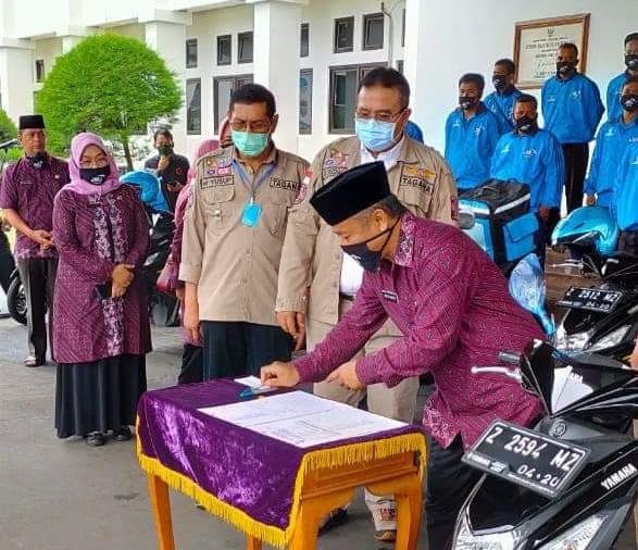 Apresiasi Inovasi Disdukcapil, Wali Kota Tasik Berikan 10 Unit Motor Kepada Petugas GoDok