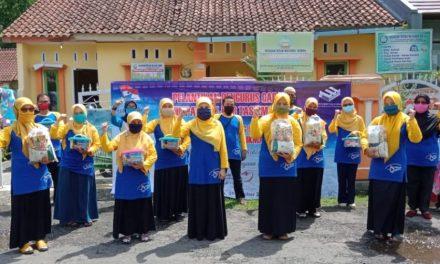 Peringati Hardiknas, PD Himpaudi Bagikan Paket Sembako