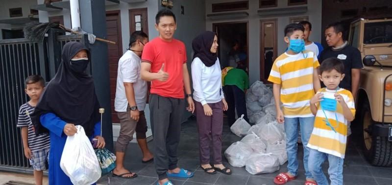 Didik Anak Supaya Memiliki Kepekaan Nurani, Keluarga Cahya Gandara Bagikan 3700 Paket Sembako