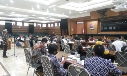 Komisi II Anjurkan Kepada Warga Supaya Memakai Produk Daerah Sebagai Ciri Khas dan Identitas